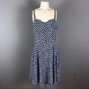 Old navy blue daisy floral sun dress